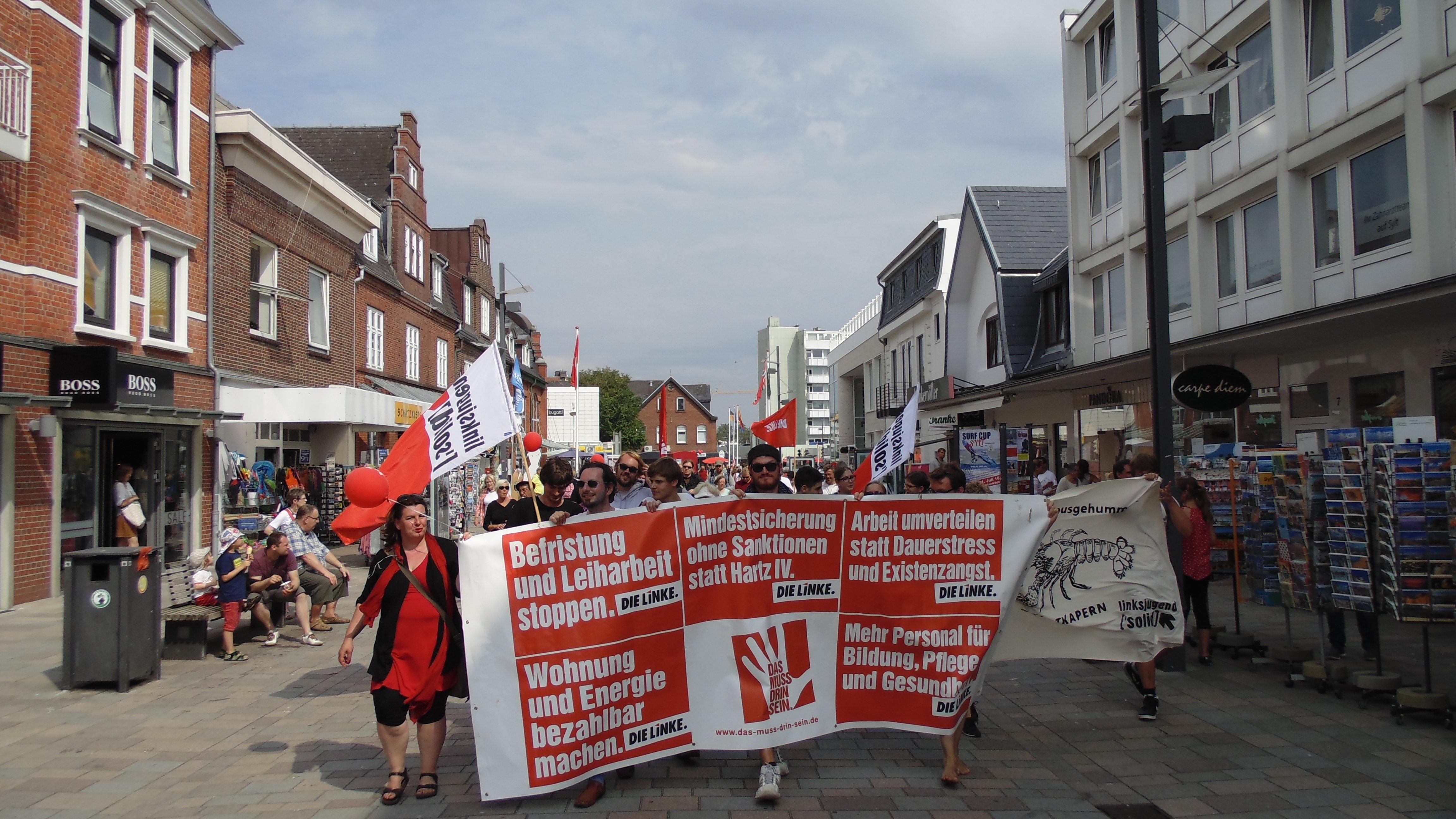 """Demonstration """"Sylt kapern"""" in Westerland auf Sylt"""