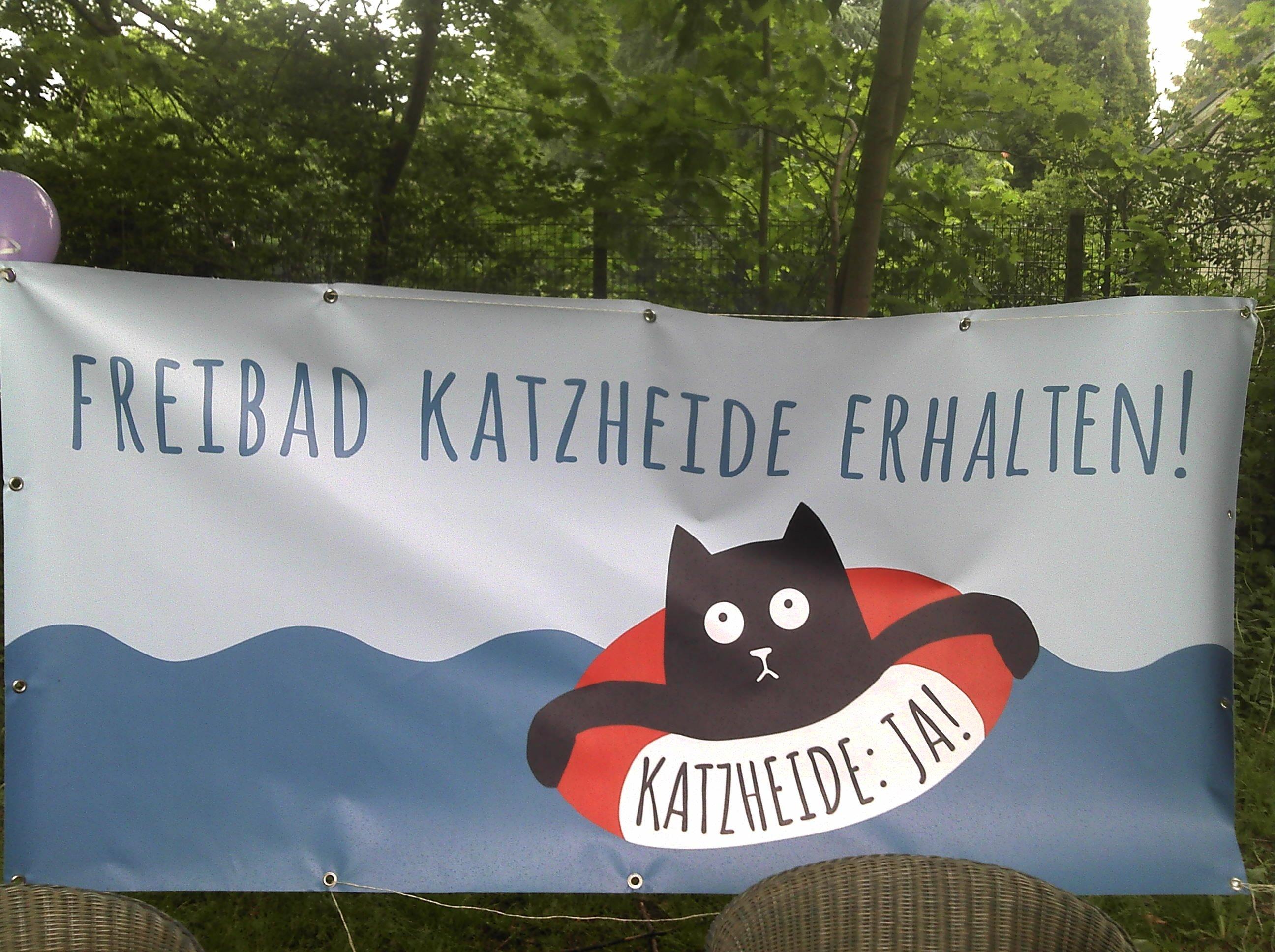 """Transparent mit der Aufschrift """"Freibad Katzheide erhalten!"""""""
